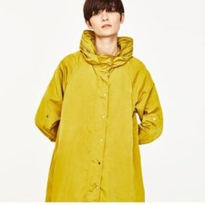 Zara Womens Hooded Long Rain coat Size Small